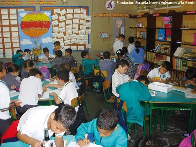The Escuela Nueva pedagogy being used in a classroom