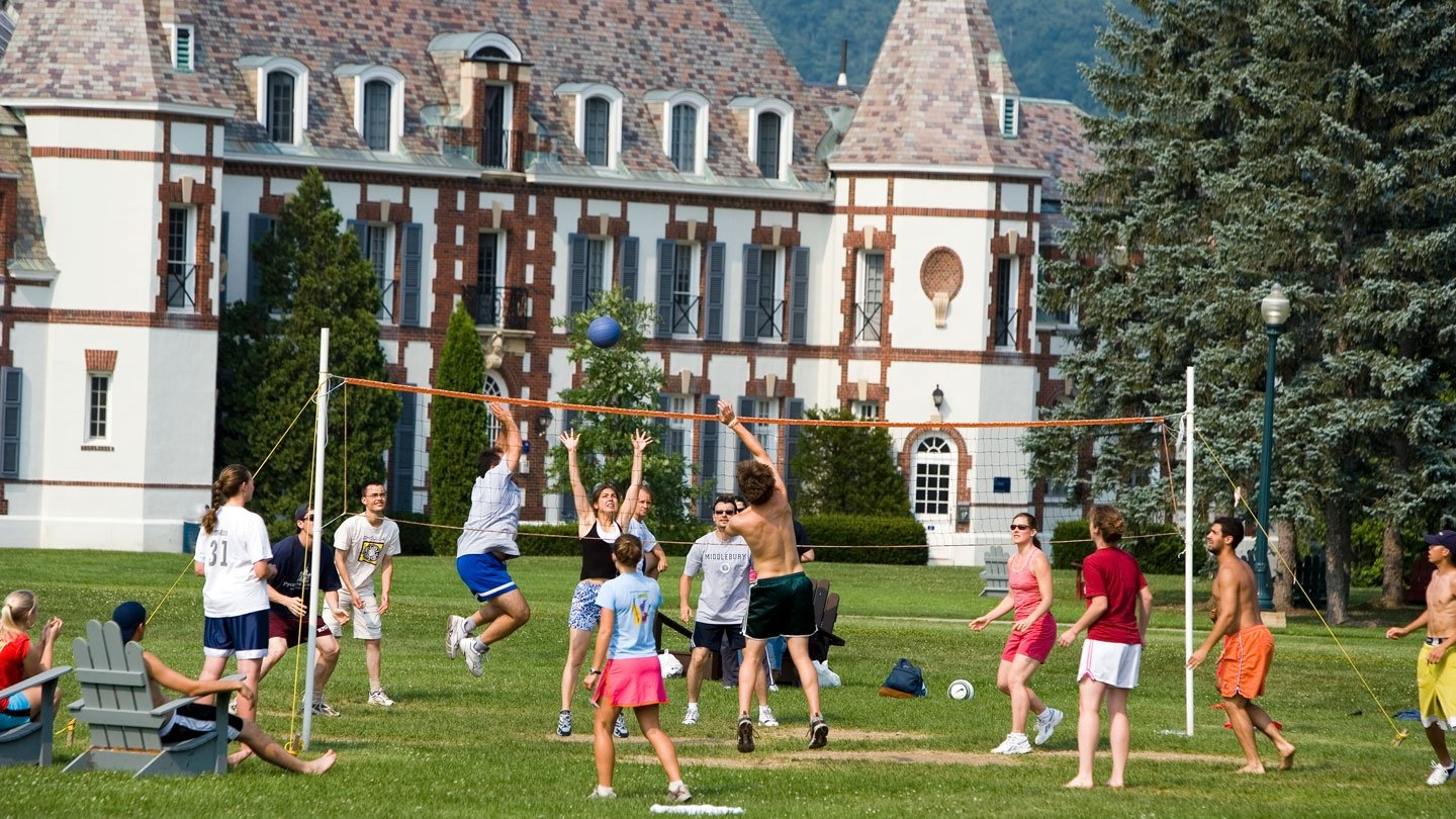 Student play volleyball outside outside in Vermont.