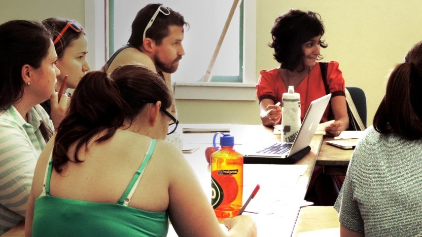 Bread Loaf student Himali Singh Soin joins a discussion in class.